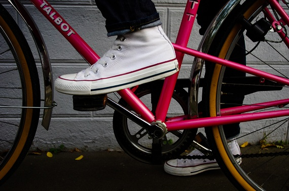 baskets Converse bicyclette rose