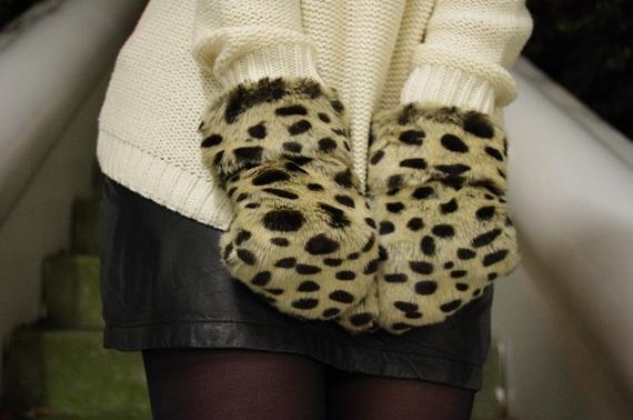 mini jupe cuir noire IKKS