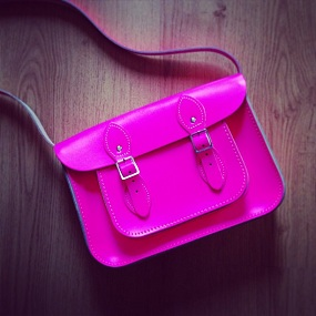 sac cartable rose fluo Cambridge Satchel Company