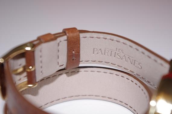 montre dorée double bracelet cuir