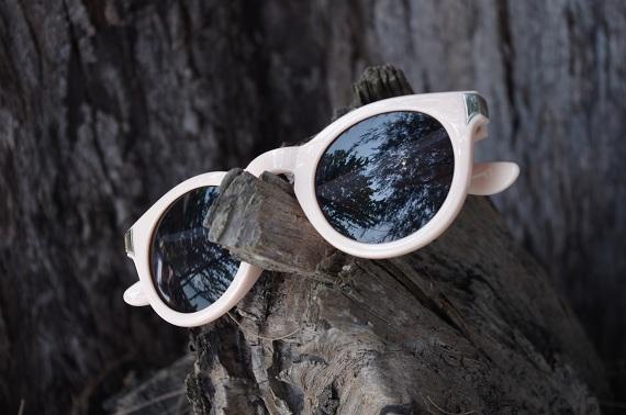 lunettes de soleil rondes roses