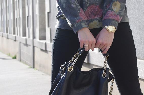 sac Michaels Kors noir doré