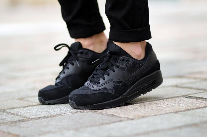 baskets Nike Air Max 90 noires