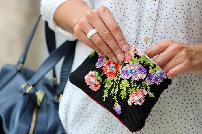 pochette canevas fleurs Kitsch Bazar