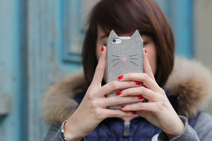 coque iPhone 6 H&M chat paillettes
