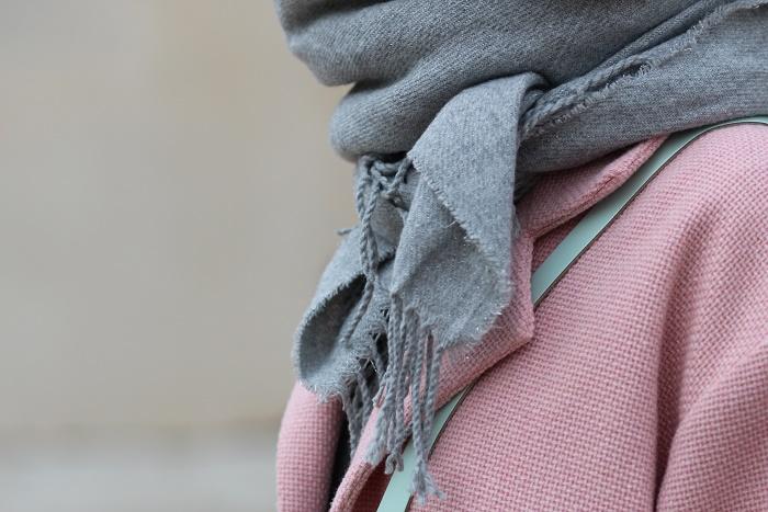 écharpe plaid grise pailletée Bizzbee