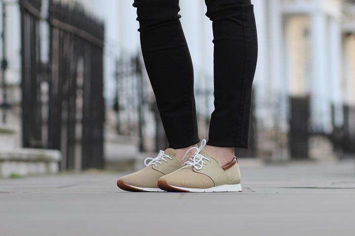 baskets sneakers Movel beige marron