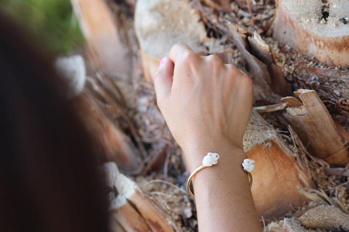 bracelet jonc doré lapins Nach Bijoux