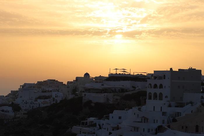 coucher de soleil Oia Santorin Grèce
