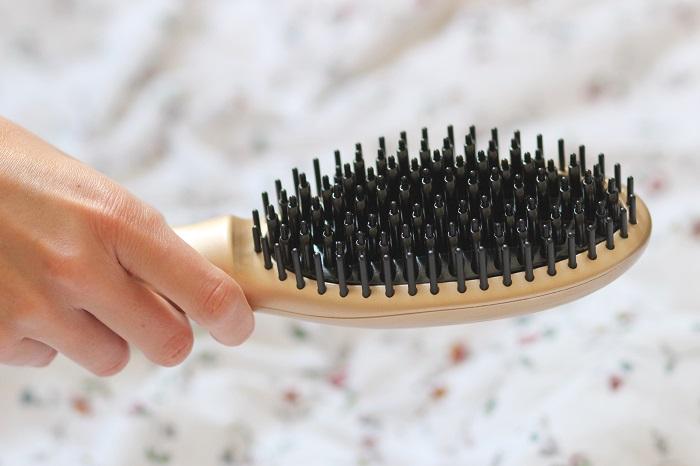 brosse chauffante lissante cheveux
