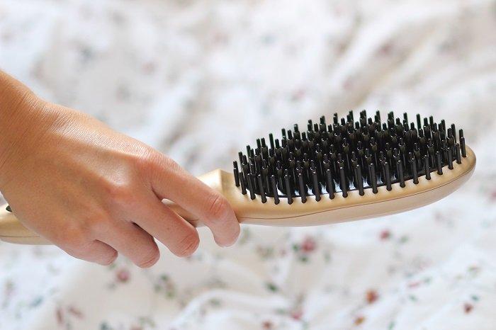 La brosse lissante : pour ou contre ?