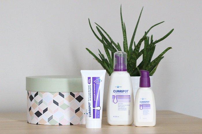 Photo des produits de la gamme CURASPOT, traitement contre l'acné